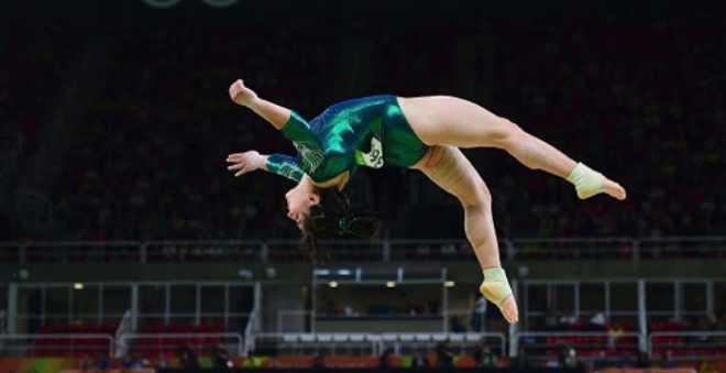 أناس رائعون..حركات مجنونة ومدهشة يقوم بها رياضيون