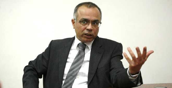 """الجالية الباعمرانية تقرر مقاضاة شكيب بنموسى وتستنكر محاكمة """"معتصمي البكادوريا"""""""