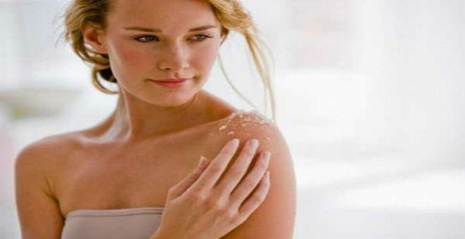 تعلمي بالخطوات صنع صابون سائل يساعدك في تبييض الجسم