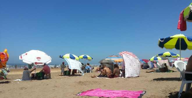 خمسة دراهم تكفي للاستجمام في شاطئ