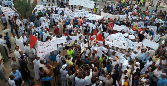 جمعيات غاضبة بجهة درعة تافيلالت تخرج في مسيرة لإقالة الشوباني