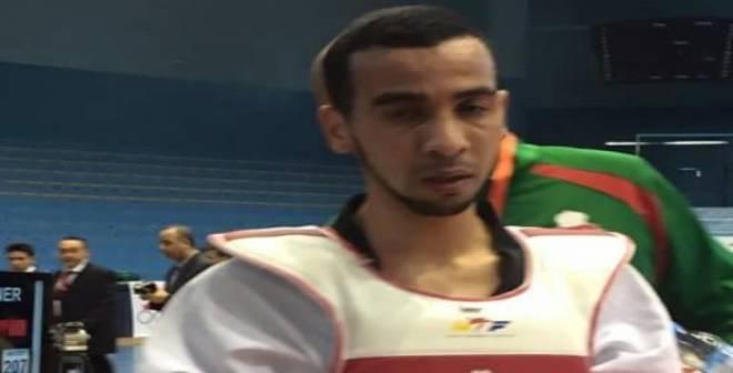 عمر الحجامي يطيح بالمصنف الاول عالميا و يعبر لربع النهائي