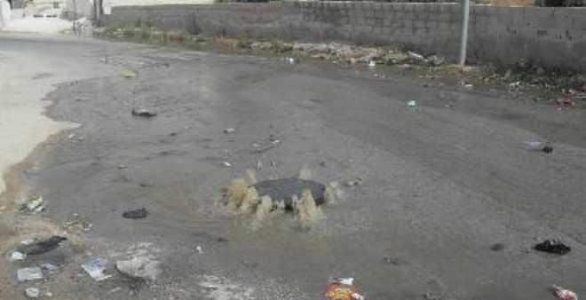 سكان يشتكون غرق حيهم في المياه العادمة ببني عياش في الحسيمة