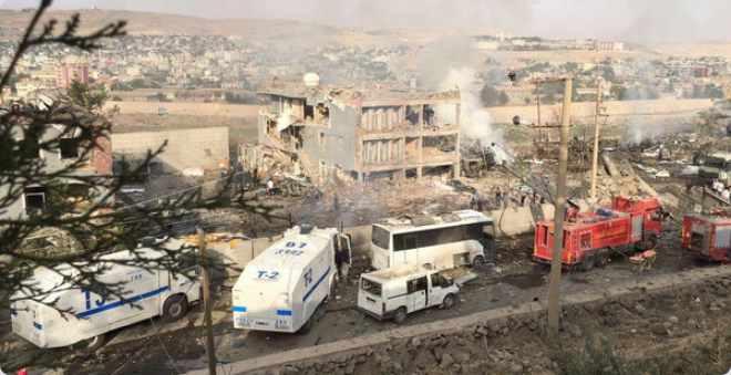 هجوم جديد بسيارة مفخخة في تركيا يتسبب في مقتل 11 من رجال الشرطة