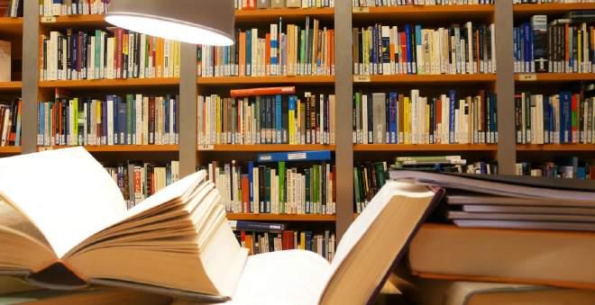 للتشجيع على القراءة.. إيطاليا تمنح 500 يورو لمن يبلغ سن الرشد لشراء الكتب