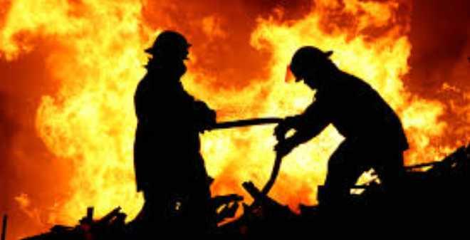 """حريق يأتي على حوالي 240 محلا بسوق """"كاساباراطا"""" بطنجة"""