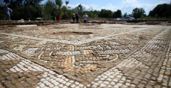 إكتشاف بقايا قصر تاريخي يعود للحقبة الرومانية بتركيا