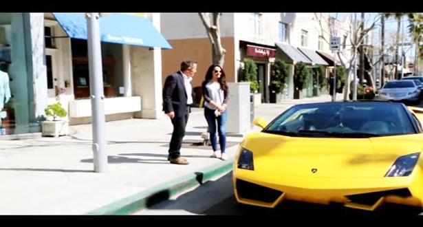 هل ستقبل الفتيات الخروج مع رجل عجوز لانه يملك سيارة غالية جدا!