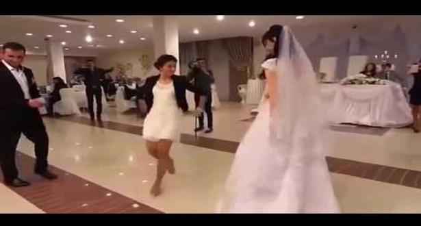 بالفيديو.. أذهلتهم برقصتها فخطفت أنظار الجميع