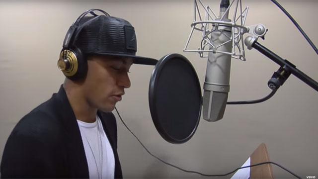 neymar-sings