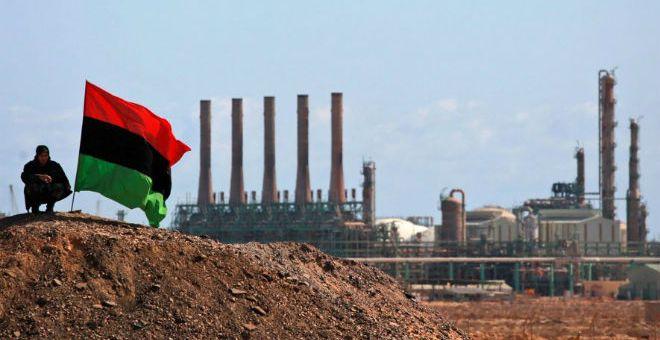ليبيا: قوات حفتر تسيطر على عدة مواقع بمنطقة الهلال النفطي