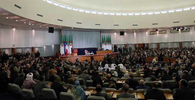 الجزائر: دخول سياسي على إيقاع التوتر بين الأحزاب والحكومة