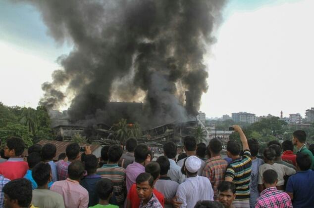 حريق يخلف عشرات القتلى والجرحى ببنغلاديش.. والحصيلة في ارتفاع