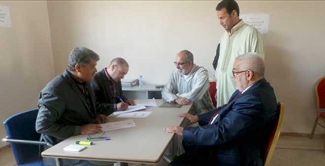 رسميا.. بنكيران يضع ملف ترشيحه لانتخابات 7 أكتوبر بسلا