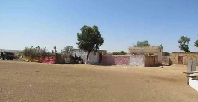 سكان جماعة بني يخلف بخريبكة يعانون العزلة و غياب الكهرباء
