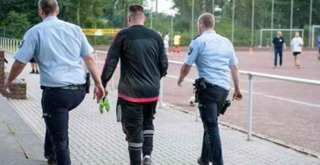 فريق كرة قدم ألماني ينهزم بـ43 هدفا والشرطة تحقق مع لاعبيه