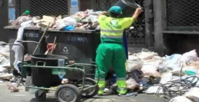 حملة نظافة في الدارالبيضاء لتخليص المدينة من نفايات عيد الأضحى