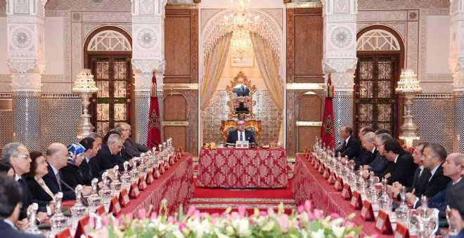 الملك محمد السادس يترأس بطنجة آخر مجلس وزاري في عهد حكومة بنكيران