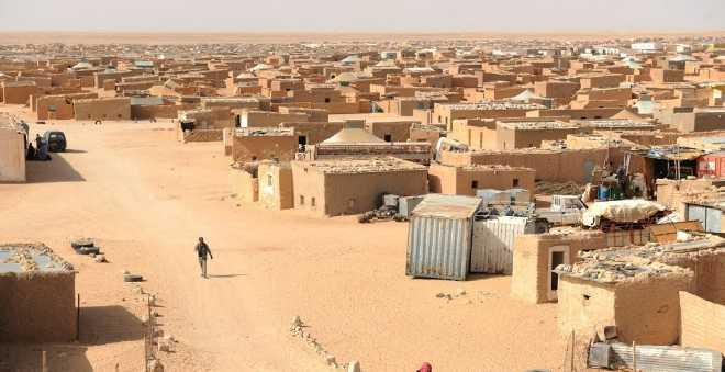 شبح العطش والمجاعة يحوم في مخيمات تندوف وعائلات قيادة البوليساريو تهرب!
