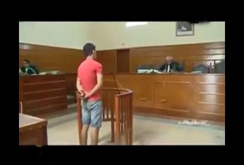 يالفيديو : شاهذ محاكمة المشرملين فالمحكمة الابتدائية ديال سلا ...