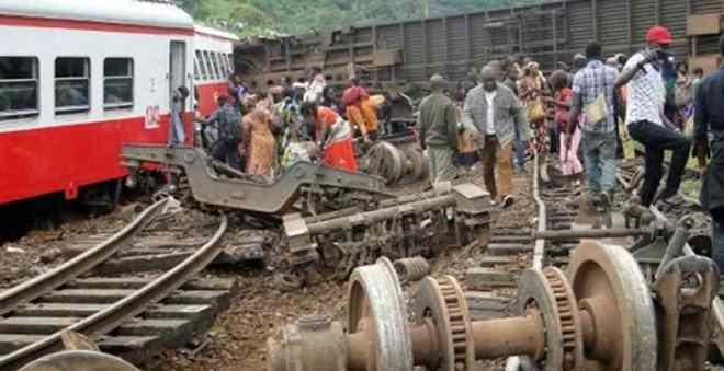 الحزن يخيم على الكاميرون بسبب مقتل مسافرين في حادث انحراف قطار