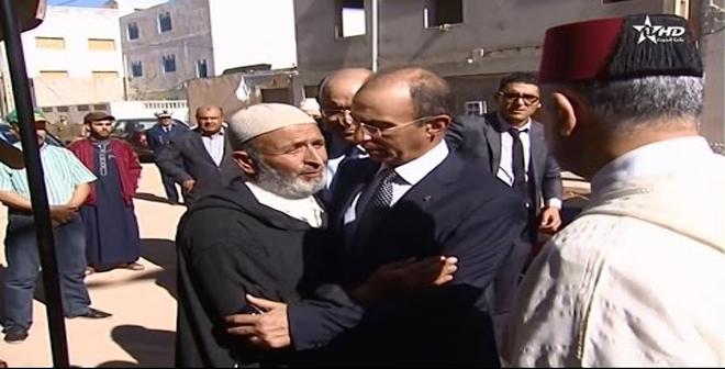 الملك محمد السادس يرسل وزير الداخلية الى الحسيمة لتقديم تعازيه لعائلة الشهيد محسن فكري