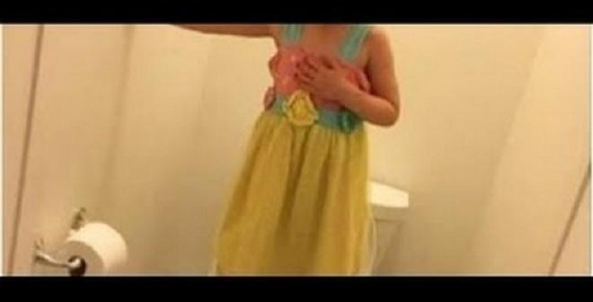 أم أمريكية تضع كاميرا في الحمام لتتفاجأ بما تفعله ابنتها ذات 13 عاماً!