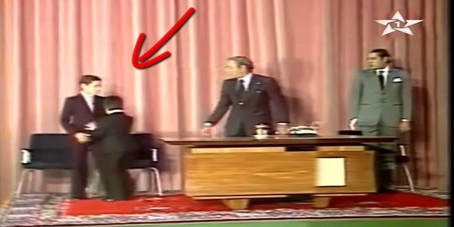 لقطة طريفة بين الملك محمد السادس والأمير مولاي رشيد أمام أعين الحسن الثاني