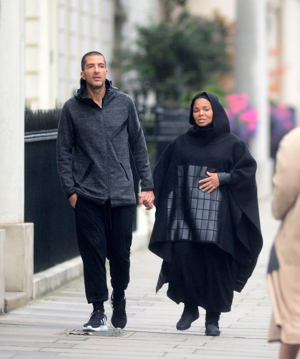pay-heavily-pregnant-janet-jackson-1