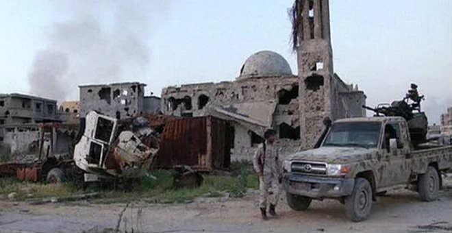 أكثر من 100أسرة عالقة في مدينة بنغازي تواجه خطر  الموت جوعا