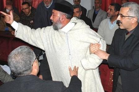صحف الصباح: بوخبزة: وزير العدل فقد حياده حين رماني بالحمق !