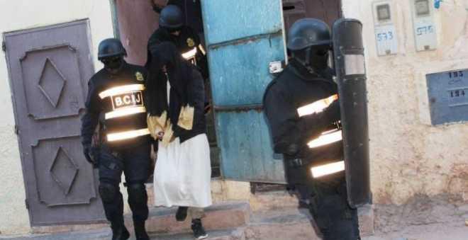 """اعتقال """"داعشيين"""" بالدار البيضاء خططا لصناعة عبوة ناسفة"""