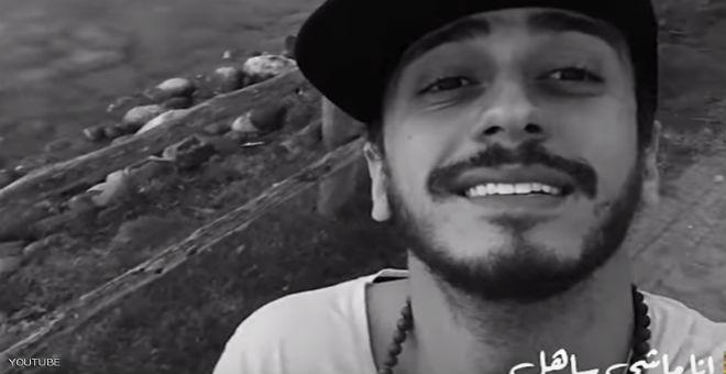 حسناء إيطالية تستقبل سعد المجرد بالأحضان في المطار (فيديو)