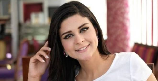 سلمى رشيد تخرج عن صمتها و تكشف حقيقة اجرائها لعملية تجميل !!