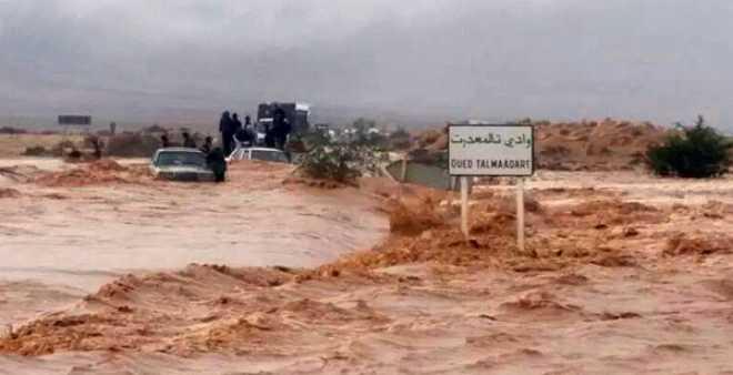الملك محمد السادس يرسل وفدا وزاريا إلى العيون لتفقد مخلفات الفيضانات