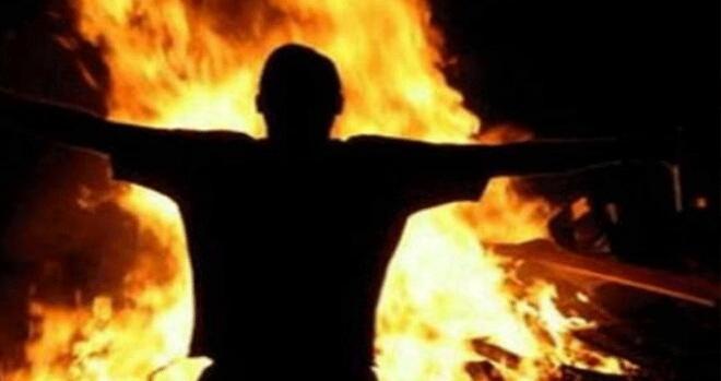 عاجل. شاب يضرم النار في جسده بالبيضاء لهذه الأسباب
