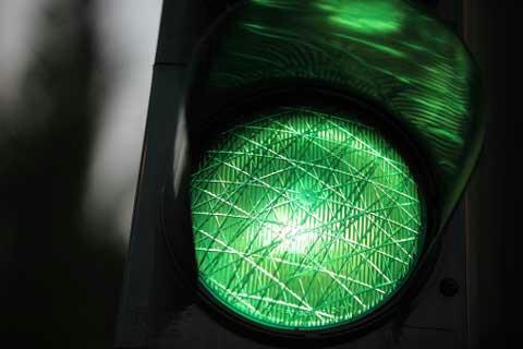 خطير.. ''الضوء الأخضر'' يتسبب في حادثة سير مروعة بالبيضاء