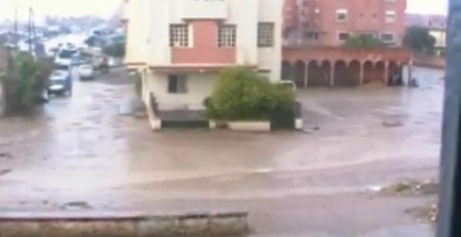 أنباء عن انتشال جثة فتاة جرفتها سيول