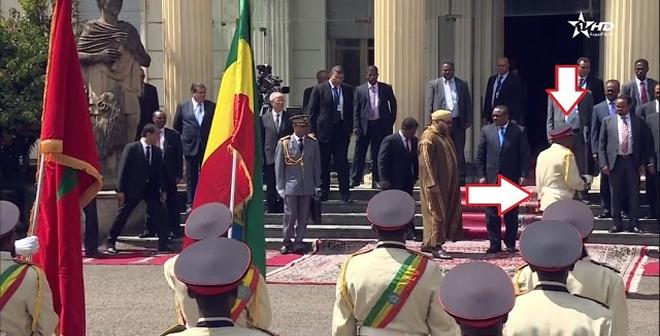 بالفيديو.. طقوس اثيوبية غريبة في استقبال الملك محمد السادس