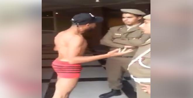 فيديو.. مواطن يتعرى أمام المخزن بسبب منعه من دخول الولاية من أجل أوراقه الإدارية