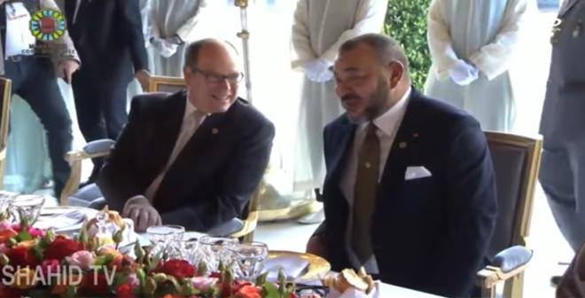 الملك محمد السادس يقيم مأدبة غذاء على شرف قادة ورؤساء الوفود المشاركة في قمة المناخ