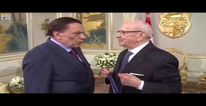 شاهد كيف رد عادل إمام على كلام الرئيس التونسي السبسي أثناء تكريمه