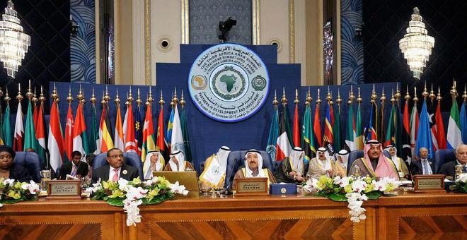 رغم الدعاية الرسمية..موقع جزائري يقر بتأثر القمة الإفريقية العربية بانسحاب المغرب وحلفائه