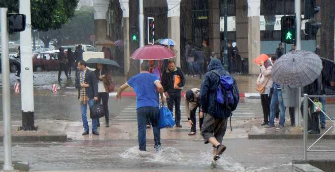 نشرة إنذارية.. أمطار عاصفية نهاية الأسبوع بهذه المدن