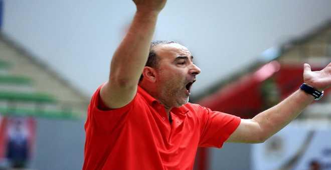 البوزيدي:  مستوى الحكام ضعيف وهدفنا الفوز على الفريق الجزائري
