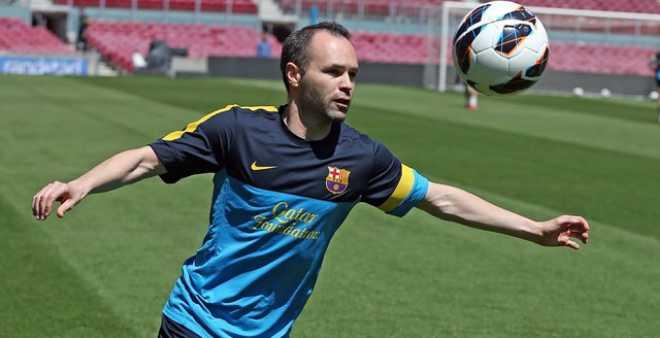 إنيستا : برشلونة قادر على العودة أمام سان جيرمان