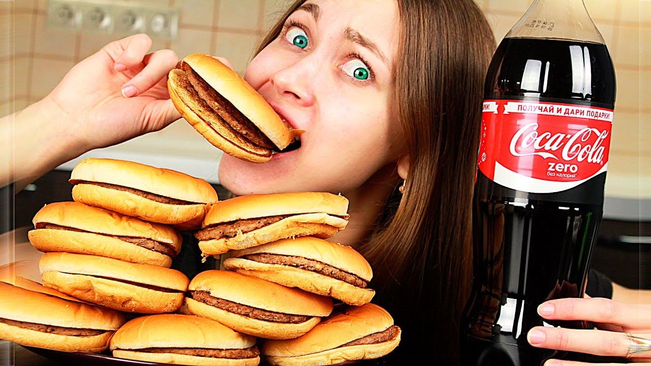 روسية تقبل تحدي تناول 10 سندويشات 'هامبرغر' بـ10 دقائق .. شاهد ماذا حدث لها؟