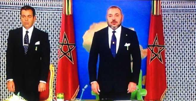 فيديو صـادم..  مواطن مغربي يسكن في عربة مجرورة في الشارع