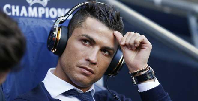 ريال مدريد يمدد عقد نجمه كريستيانو رونالدو