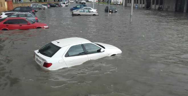 طنجة تغرق من جديد بعد أمطار ساعات فقط !